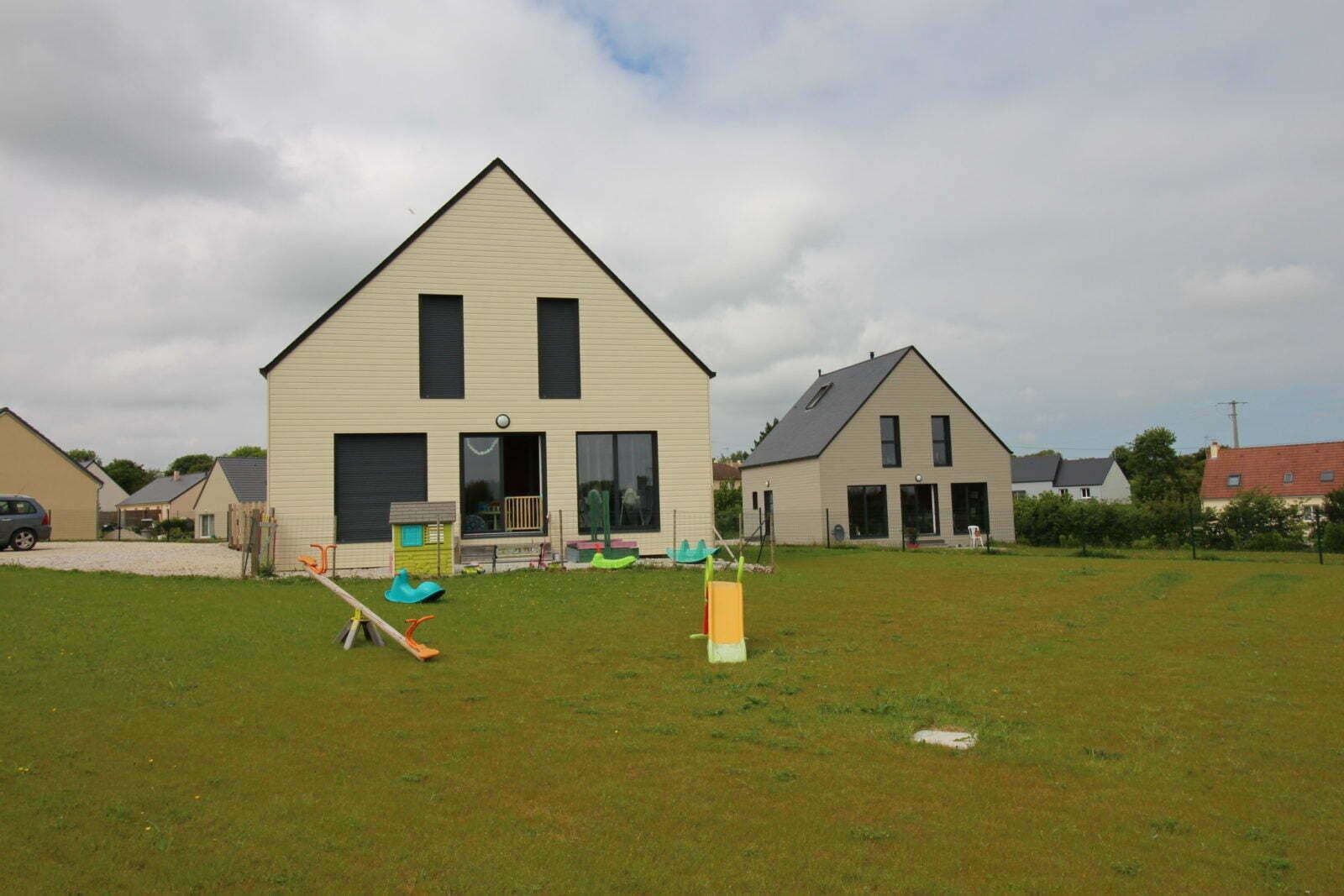 Les deux maisons - St germain de Tallevende